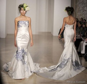 blue_white_wedding_dress_2011.jpg